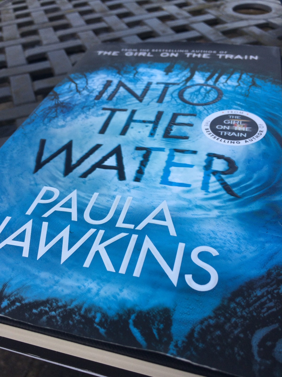 A reviews of Into the Water by Paula Hawkins (Author of Girl on the Train). For those reading it or thinking of reading it onwards. Including a character list (without spoilers) which I think would have been handy at the front of the book.